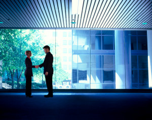 businesspeople_handshake